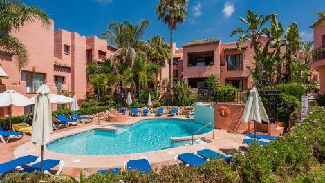 3 bedroom Penthouse for sale in Elviria – R3001454