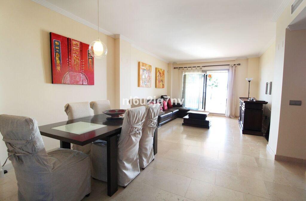 Apartamento de 2 dormitorios en venta en Benahavís – R3334876