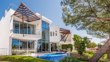4 bedroom Apartment for sale in Sierra Blanca – R3507682