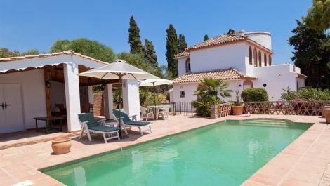 3 bedroom Villa for sale in Estepona – R2776094