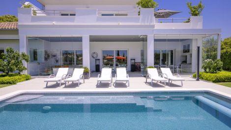 4 bedroom Villa for sale in Elviria – R3465466