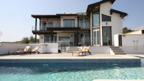 5 bedroom Villa for sale in Mijas Costa – R2228105