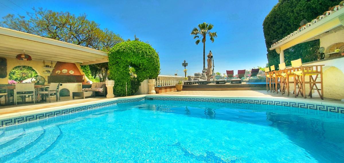 4 bedroom Villa for sale in Puerto Banús – R3171649