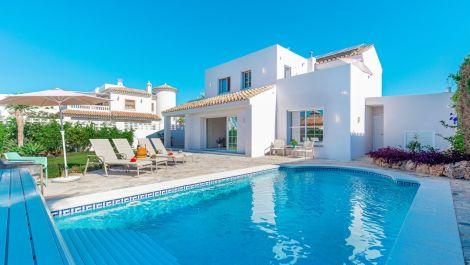 Villa de 4 dormitorios en venta en El Rosario – R3525304