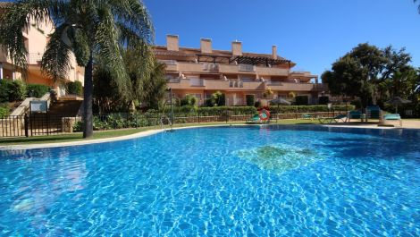 2 bedroom Penthouse for sale in Elviria – R3437926 in