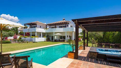 7 bedroom Villa for sale in Bahía de Marbella – R2419892 in