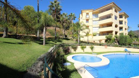 2 bedroom Penthouse for sale in Elviria – R3030554 in