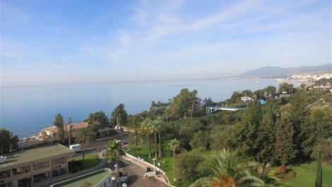 4 bedroom Penthouse for sale in Marbella – R2562161 in