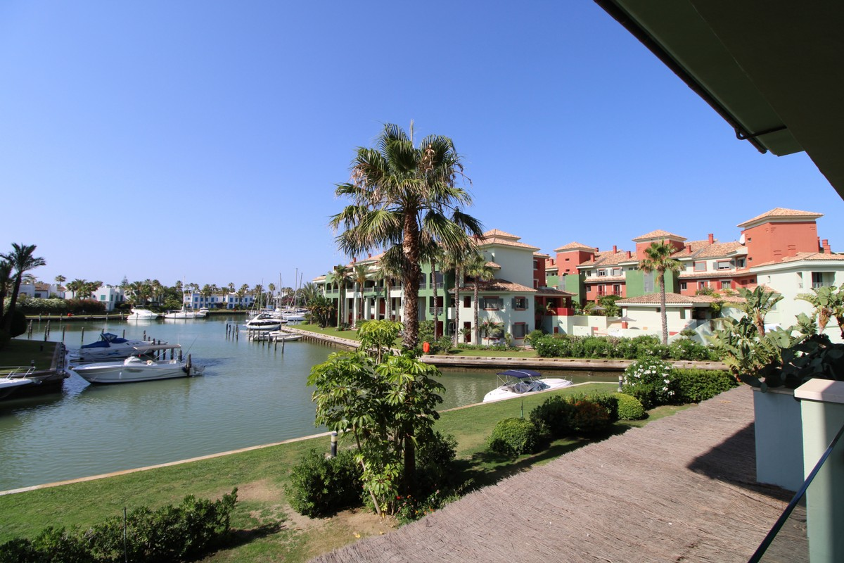 3 bedroom Apartment for sale in Sotogrande Puerto – R3538951