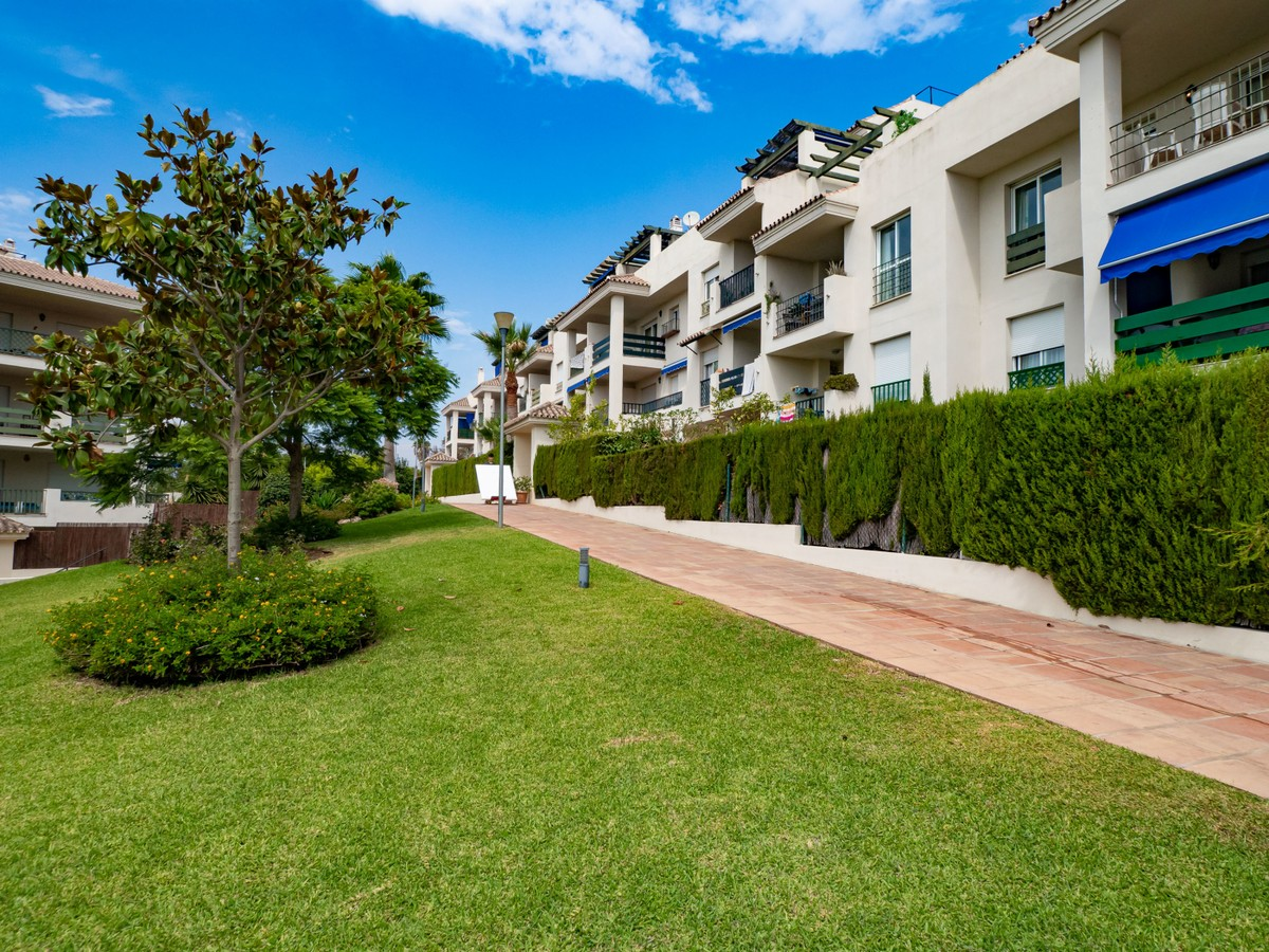 2 bedroom Apartment for sale in Puerto Banús – R3500263