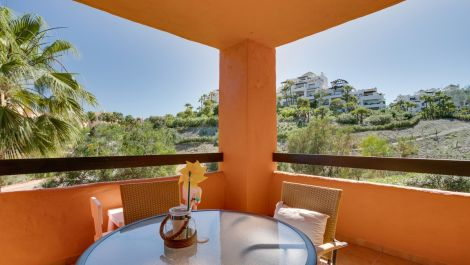 2 bedroom Apartment for sale in Benahavis – R3426619