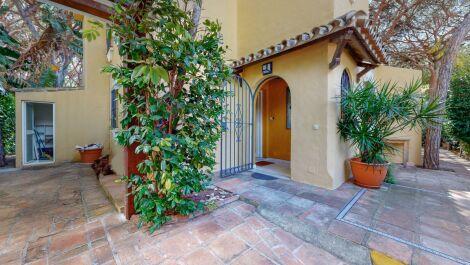 3 bedroom Villa for sale in Calahonda – R3671258 in