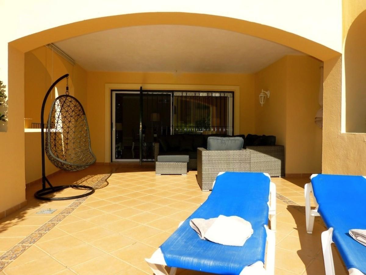 2 bedroom Apartment for sale in Elviria – R3632156