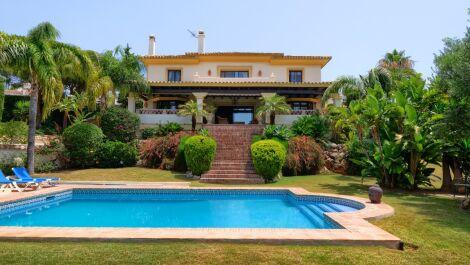 4 bedroom Villa for sale in Elviria – R3676454