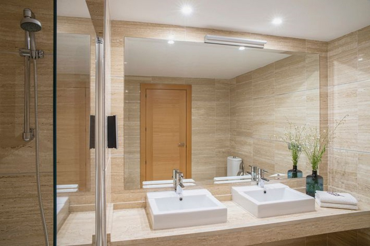2 bedroom Apartment for sale in Benahavis – R3661154