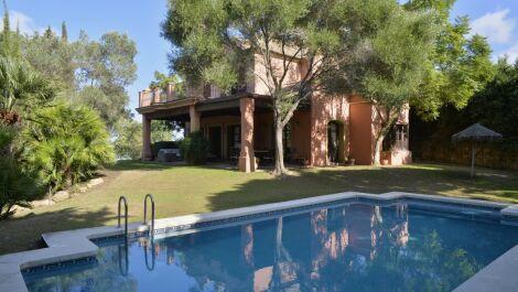 Villa de 5 dormitorios en venta en Sotogrande Alto – R3636089 en