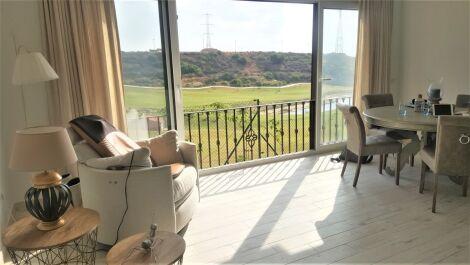 Adosado de 3 dormitorios en venta en Estepona – R3632441
