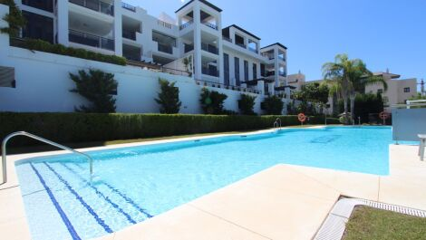 2 bedroom Apartment for sale in Benahavis – R3641276