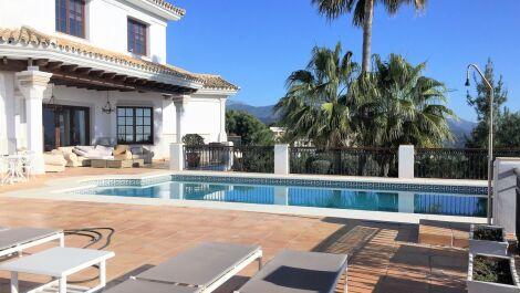 Villa de 6 dormitorios en venta en La Zagaleta – R3630902 en