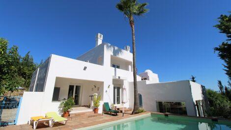Villa de 6 dormitorios en venta en Sotogrande Costa – R3666734 en