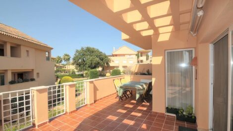 3 bedroom Apartment for sale in Elviria – R3671951
