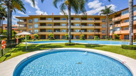 3 bedroom Apartment for sale in Elviria – R3669656
