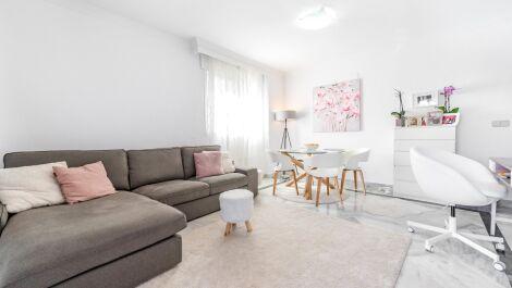 Apartamento de 3 dormitorios en venta en Marbella – R3649385