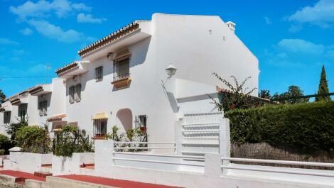 Adosado de 3 dormitorios en venta en Artola – R3648026