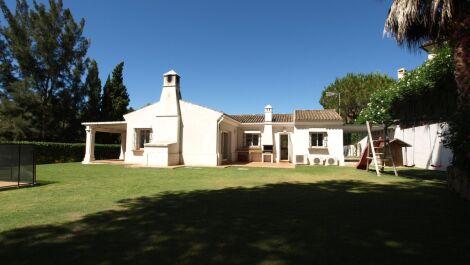 Villa de 4 dormitorios en venta en Sotogrande – R3666563 in
