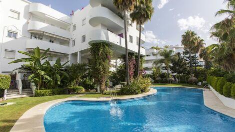 Atico de 2 dormitorios en venta en Milla de Oro – R3676553 en