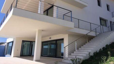 6 bedroom Villa for sale in Sotogrande – R3644444
