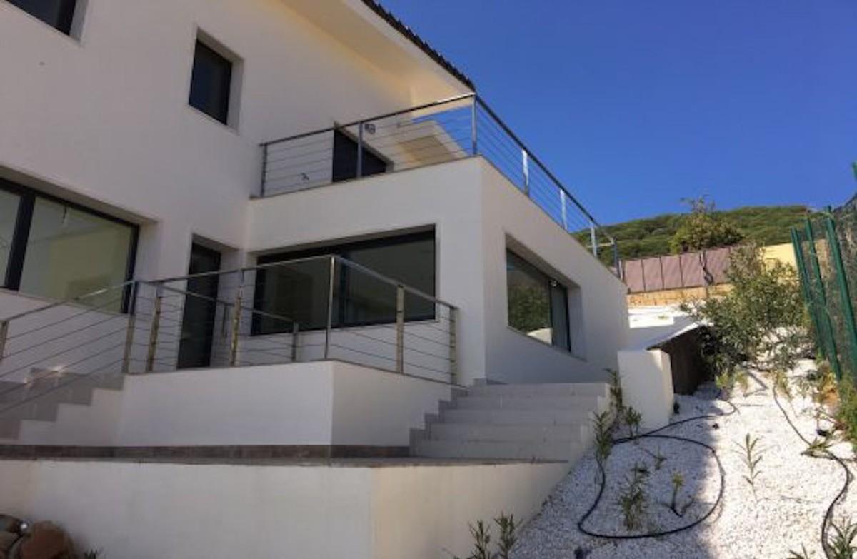 Villa de 6 dormitorios en venta en Sotogrande – R3644444