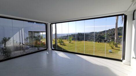 Apartamento de 2 dormitorios en venta en Estepona – R3646712