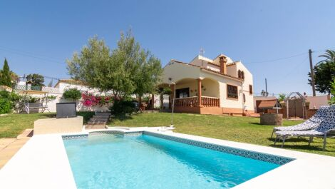 3 bedroom Villa for sale in Estepona – R3667421