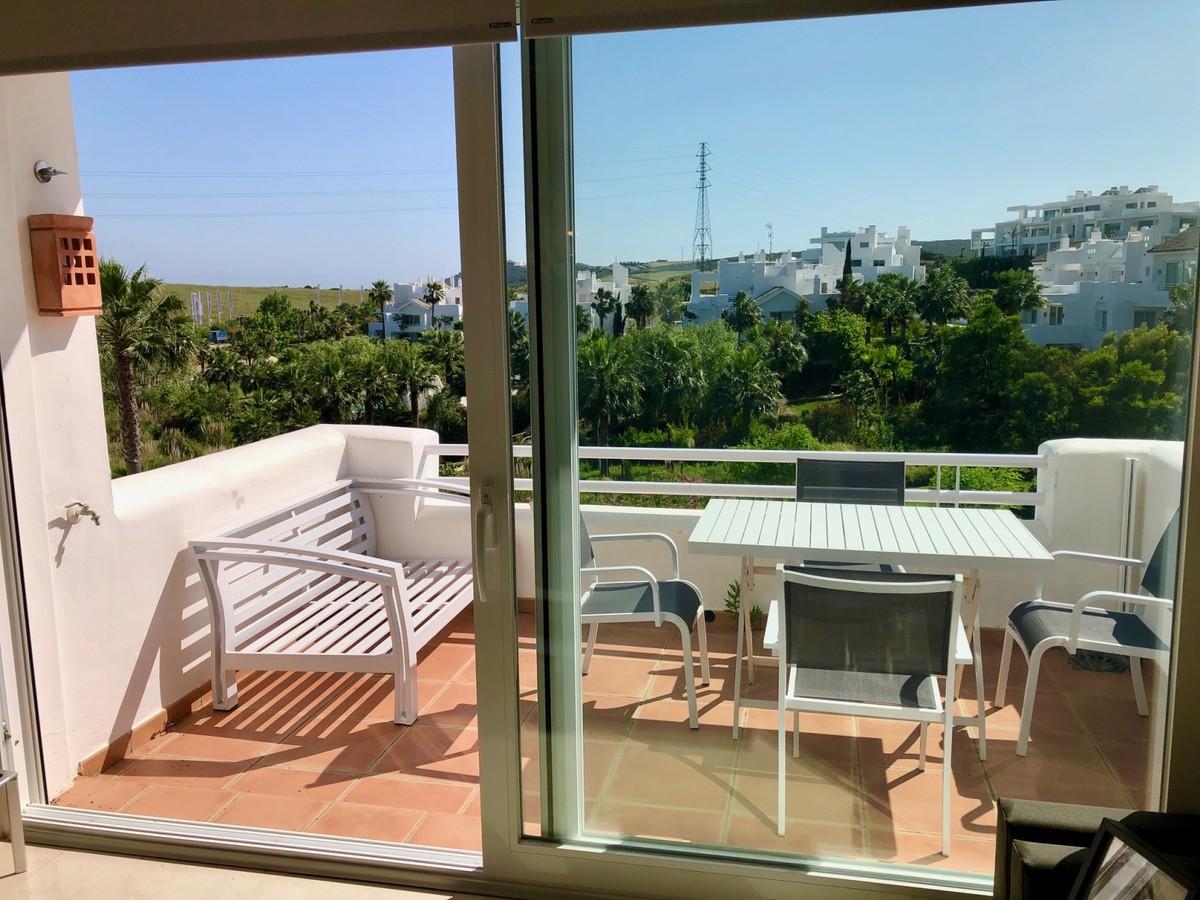 Apartamento de 2 dormitorios en venta en Estepona – R3663782