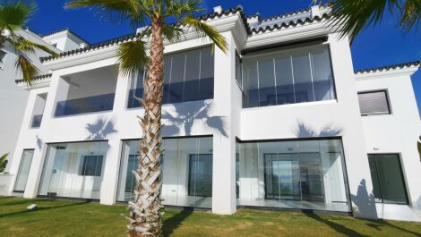 4 bedroom Apartment for sale in Estepona – R3647906
