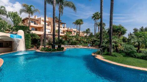 Apartamento de 2 dormitorios en venta en Sierra Blanca – R3633971 en