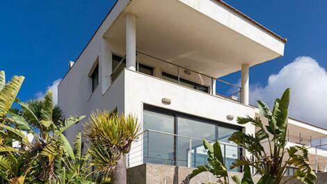 Villa de 6 dormitorios en venta en Sotogrande – R3644501 en