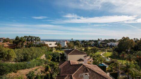 Villa de 5 dormitorios en venta en La Quinta – R3611201