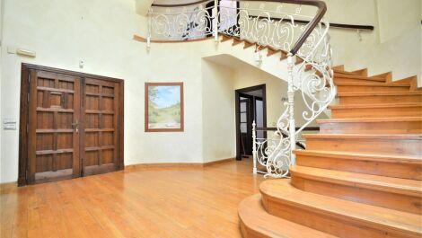 Villa de 4 dormitorios en venta en Sotogrande – R3675911 en