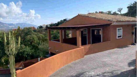 Villa de 4 dormitorios en venta en La Mairena – R3641414 en