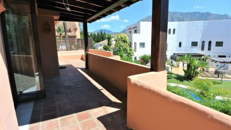 4 bedroom Apartment for sale in The Golden Mile – R3658169