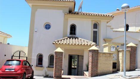 Villa de 3 dormitorios en venta en Riviera del Sol – R3669422 en