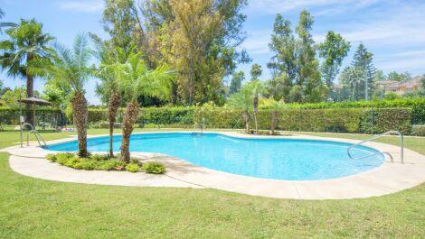 Apartamento de 2 dormitorios en venta en Guadalmina Alta – R3661265