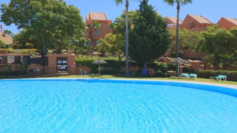 3 bedroom Apartment for sale in Elviria – R3671105 in