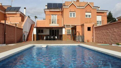 4 bedroom Semi-detached for sale in Estepona – R3644333 in