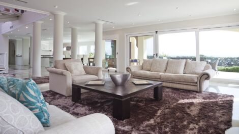 7 bedroom Villa for sale in Las Chapas – R3480199