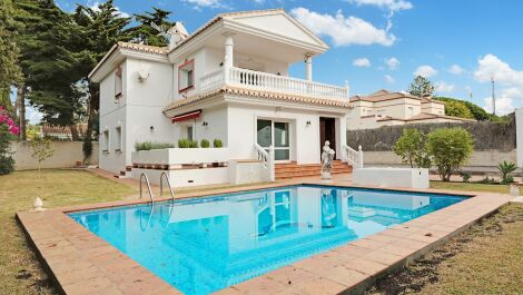 4 bedroom Villa for sale in Cabopino – R3551308 in