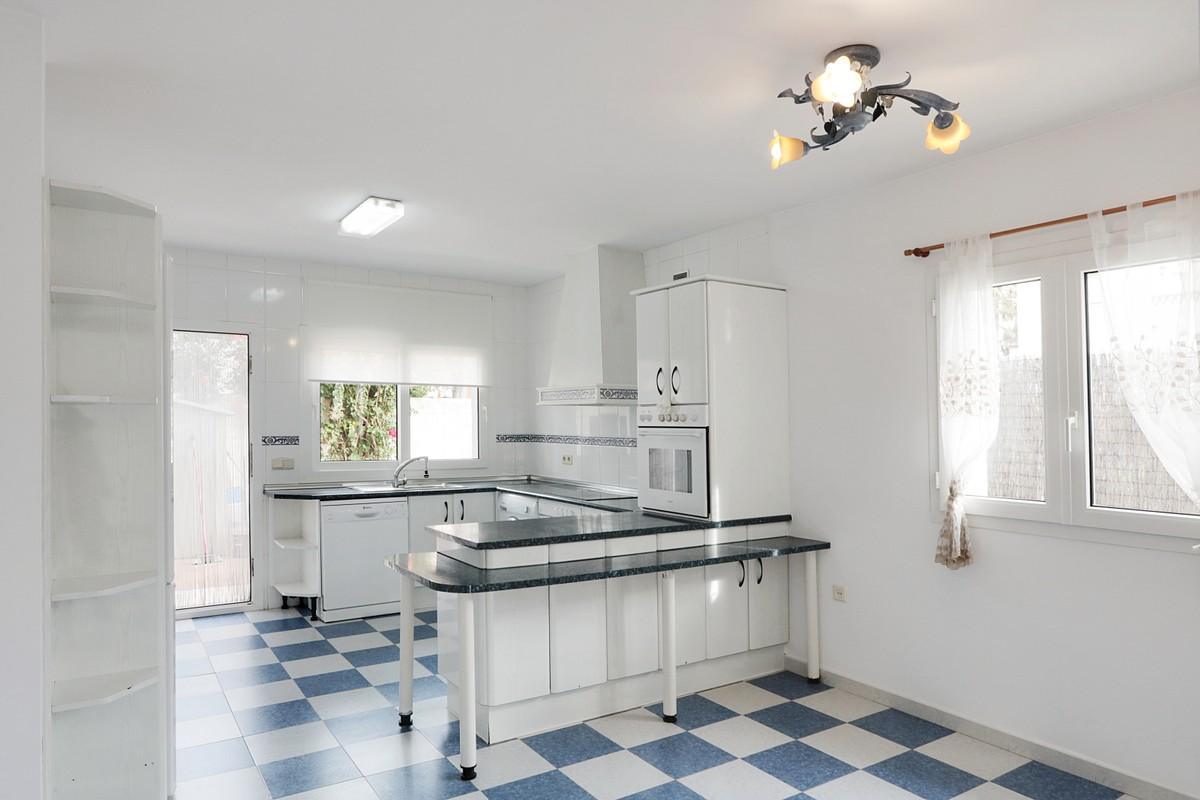 4 bedroom Villa for sale in Cabopino – R3551308