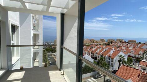 2 bedroom Penthouse for sale in Estepona – R3649748